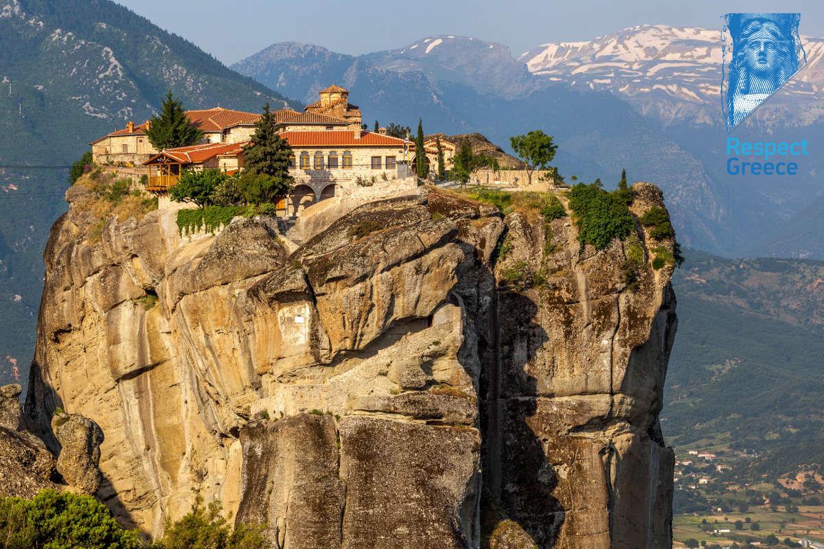 the monastery of holy trinity meteora
